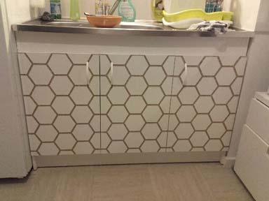 Portes de meuble d'évier gravées de motifs