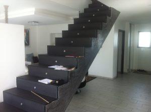 Escalier avant - vue 3/4 avant